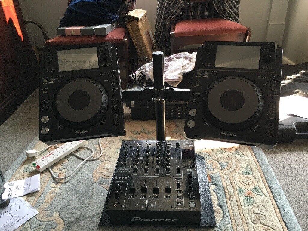 Pioneer DJ Setup XDJ 1000 & DJM 850 + booth monitor & strobe