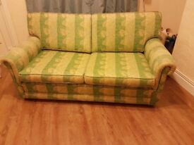 2 seater sofe good condition