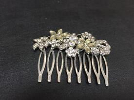 Hair slide with diamanté flowers