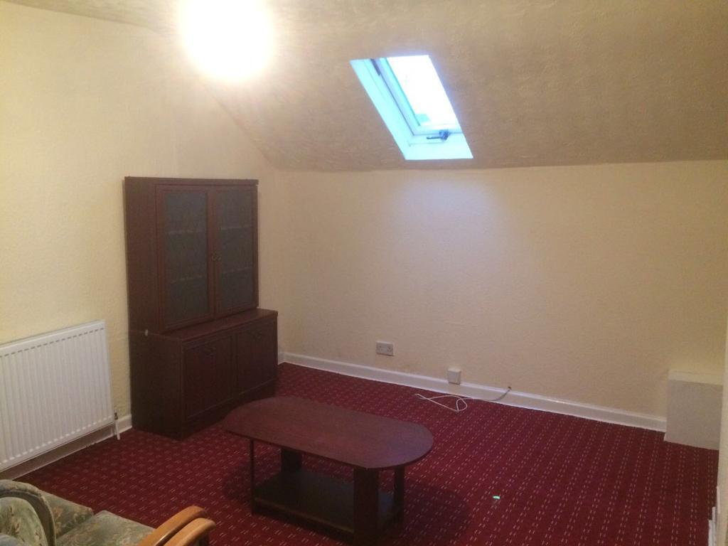 1 bed flat in Moston £102 weekly DSS okey