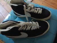 Black Nike Blazers Trainers size 5
