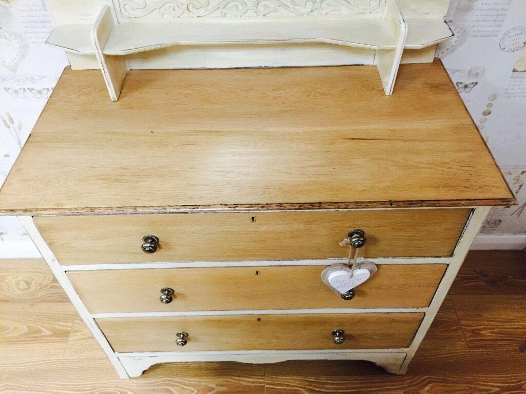 Shabby chic oak dresser