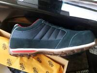 Site steel tie cap trainers (New with tags)