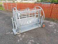 Iae fully galvanised sheep turnover crate in excellent condition livestock tractor