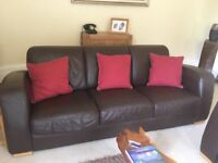 3 piece chocolate brown leather suite in good condition ( 3 seater/ 2 seater and chair) £100