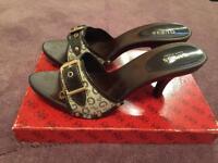 Guess heels size 6 - never been worn