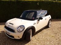 "MINI COOPER S in PEPPER WHITE - FULL LEATHER with CHILLI PACK & 18"" JCW WHEELS"