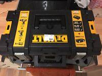 Dewalt 18v hammer drill and impact driver