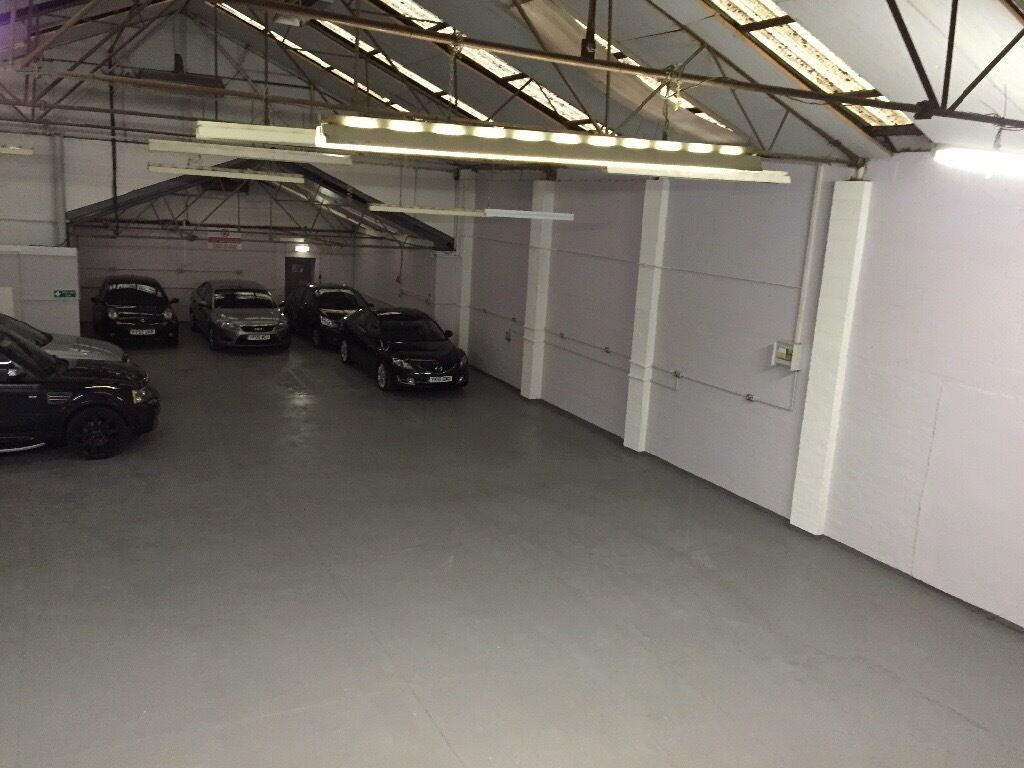 Car Sales Garage Workshop Storage Warehouse Unit For Rent