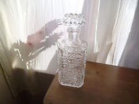 SQUARE CUT GLASS DRINKS DECANTER