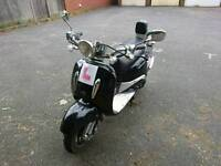 Learner Legal Retro 125cc Scooter