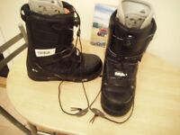 THIRTYTWO SNOWBOARD BOOTS SIZE 10