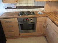 Recently refurbished 2 Bedroom Flat available now, close to the city center, furnished, £575pcm