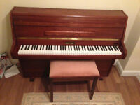 EXCELLENT CONDITION: Beautiful modern Bentley Zender mahogancy piano