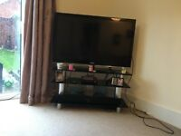 "Samsung 48"" Freeview TV and glass stand"