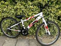 Boys/girls mountain bike,