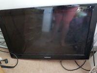 "Samsung tv 32"" SPARES OR REPAIR"