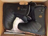 Brand new Salomon boots 9.5 UK
