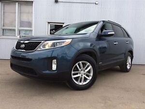2015 Kia Sorento LX, AWD, BACKUP SENSOR, HEATED SEATS, BLUETOOTH