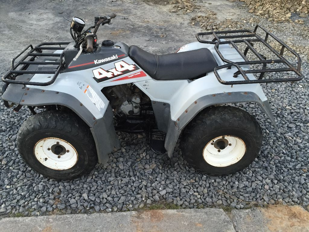 kawasaki klf400 atv farm quad bike 400cc 4x4 4wd in carmarthen carmarthenshire gumtree. Black Bedroom Furniture Sets. Home Design Ideas