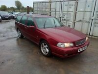 VOLVO V70 DIESEL classic ESTATE 2000 NEW MOT LEATHER SEATS new cam belt and serviced