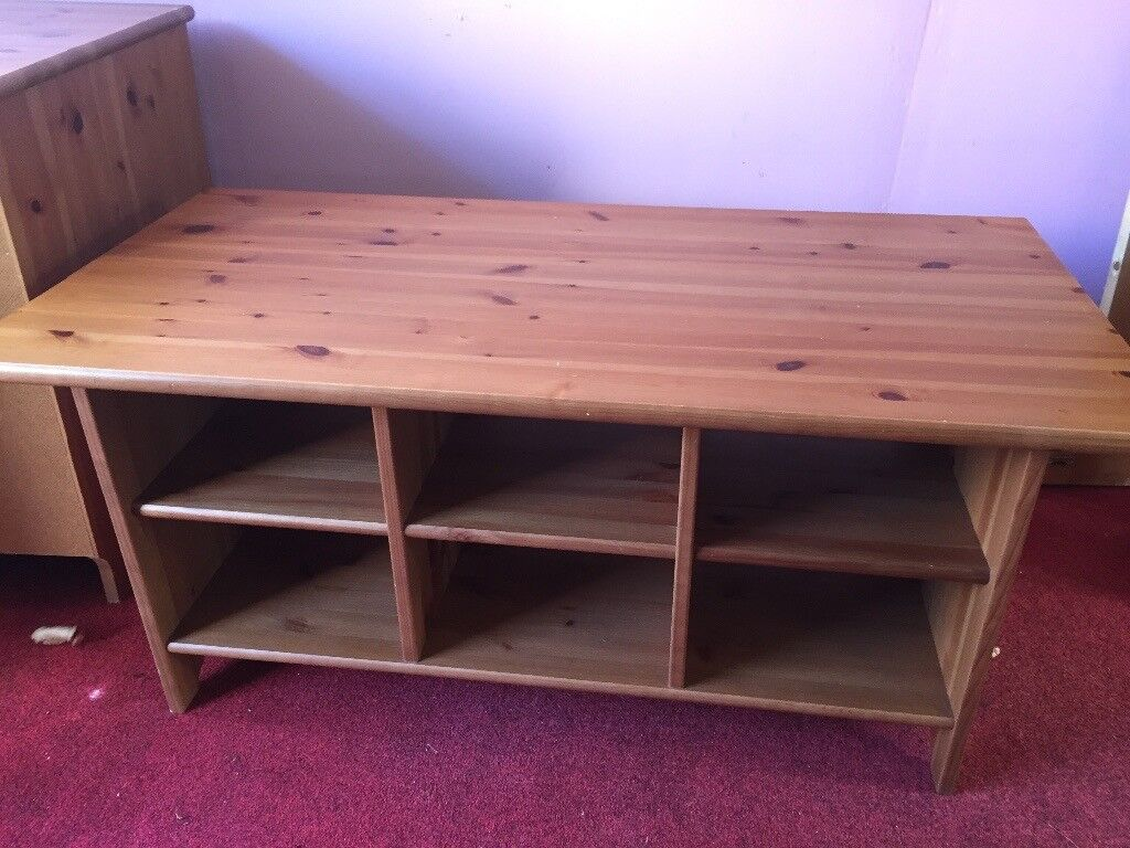 Coffee table with shelfs