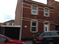 Central Exeter 2 bed house to rent with workshop/garage space