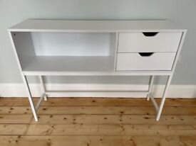 Modern console table/side board - very good condition
