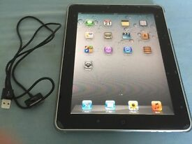 iPad tablet 1 Gen 10 inches silver with case
