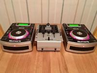 Pair of Numark NDX 200 cdj players plus Numark im1 mixer