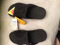 Men's Fitflop sandals size 11, black