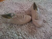 Used ladys size 5 broags