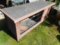 Large rabbit hutch with easy access lid