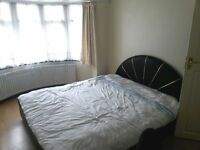 Double room available in Southall *ALL BILLS INCLUDED* females only