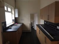LOW MOVE IN COSTS! 4 BED IMAMCULATE HOUSE! HENDON SUNDERLAND. NO BONDS! DSS WELCOME!