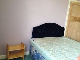 A LARGE FULLY FURNISHED BEDROOM to offer to a single person. Short distance to all transport