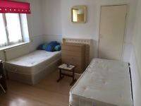 ***DOUBLE ROOM TO SHARE FOR FEMALE*** BOW ROAD! JUST 90PW!