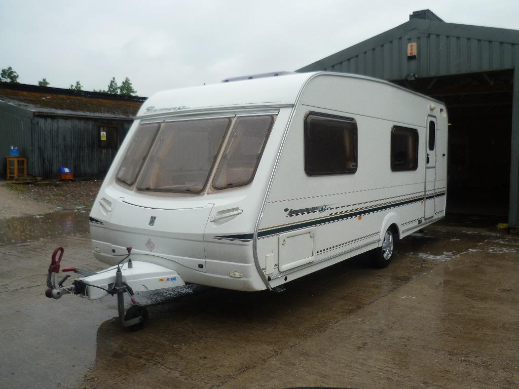Berth Caravan With Fixed Bunk Beds