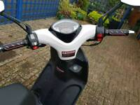50cc Sinnis prime moped