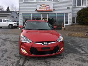 2012 Hyundai Veloster w/Tech back up camera