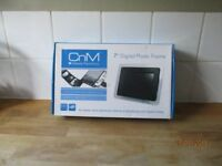"Boxed CNM Digital Photo Frame 7"" black NEW"