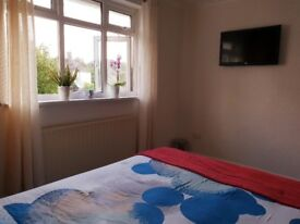 "Fully furnished LARGE , BRIGHT & AIRY double bed room with a 42"" TV"