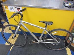 Vélo Hybride de marque TREK