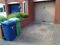 Garage to rent in nice area of Bishops Cleeve