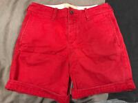 HOLLISTER RED CHINO SHORTS