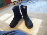 For Sale - Eversosoft Size 4 Ladies Boots New