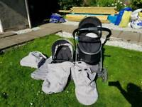 Oyster max 2 pram and carrycot