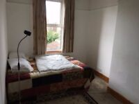 Southsea. Double room in a warm comfortable shared house. Suit a working person.