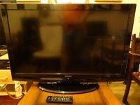 "TOSHIBA TV 37"" immaculate condition"