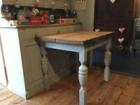 Vintage shabby chic vintage extending dining/ kitchen table